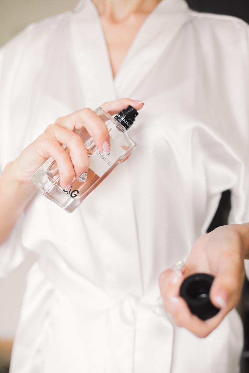 Panna Młoda używa perfumy Dolce & Gabbana