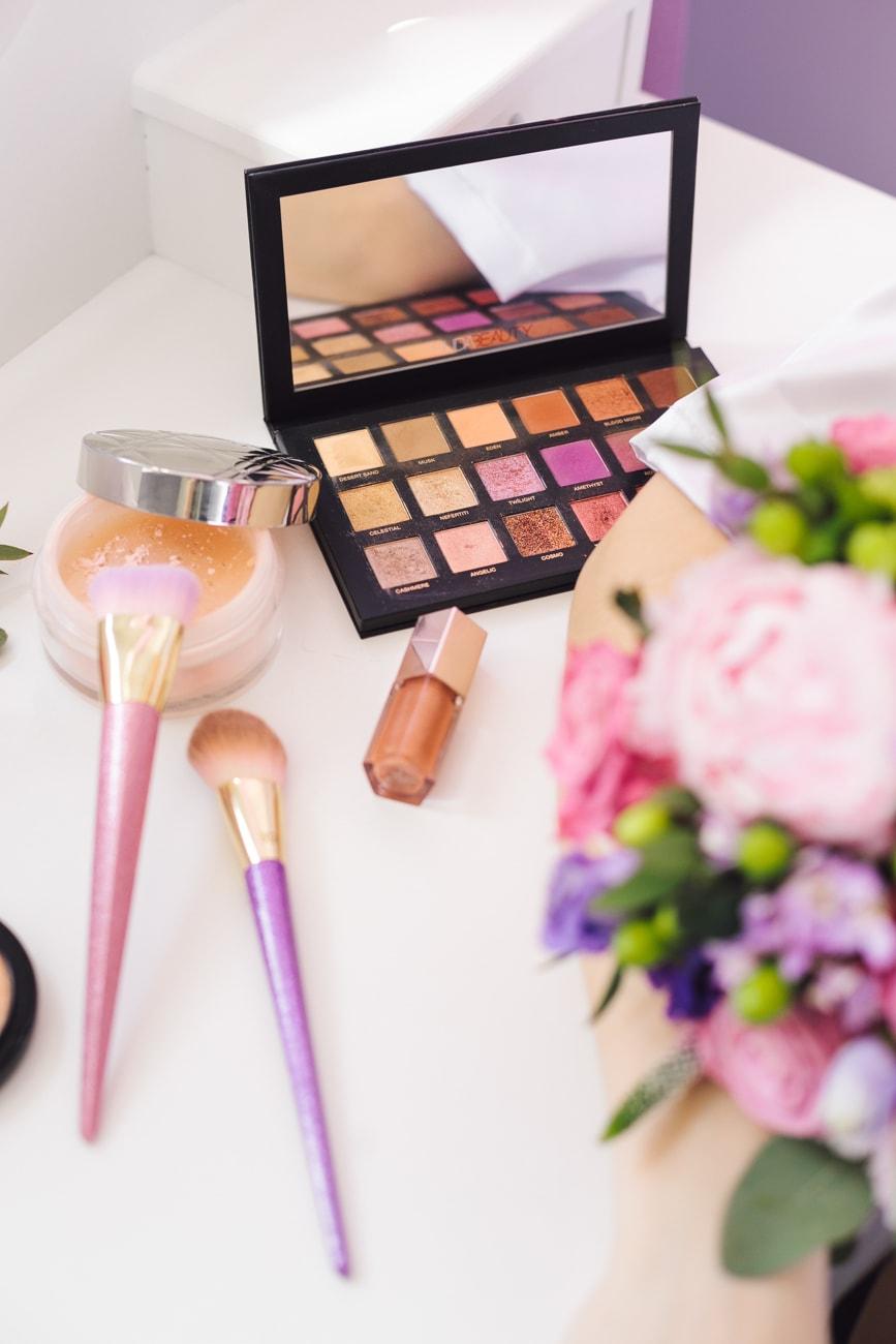Najpopularniejsze marki makijażowe Dior i Huda Beauty